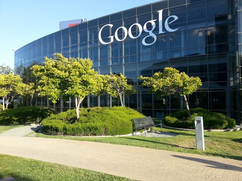 Năm 2006, Google đã chính thức mua lại Youtube
