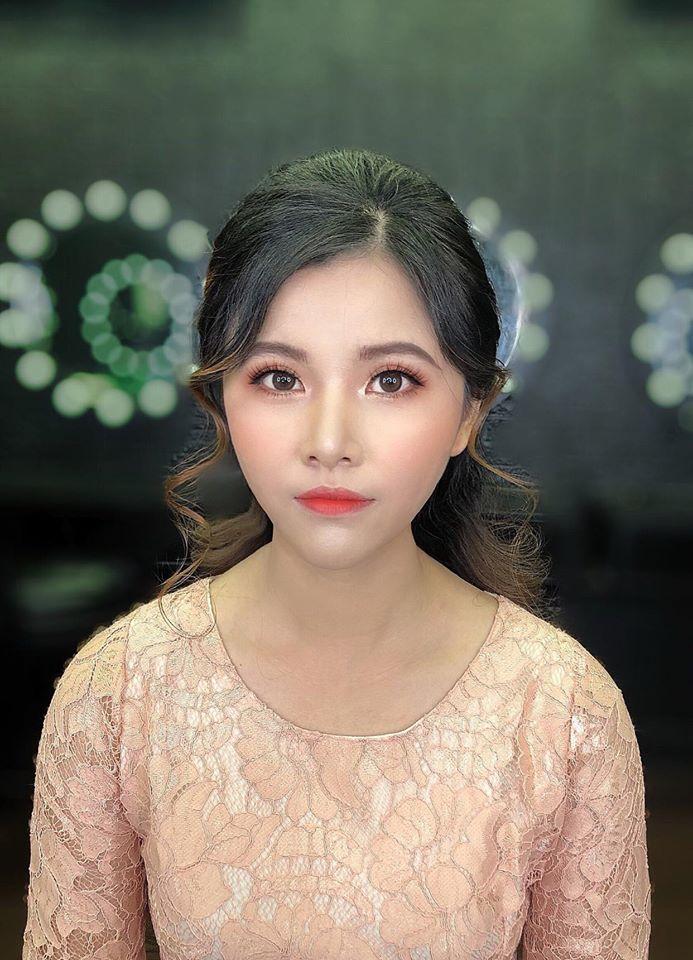 Yuri Make Up