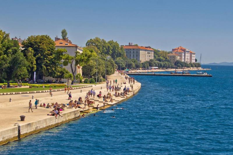 Zadar nhìn từ trên cao giống như những ốc đảo xinh đẹp đang hòa cùng thiên nhiên