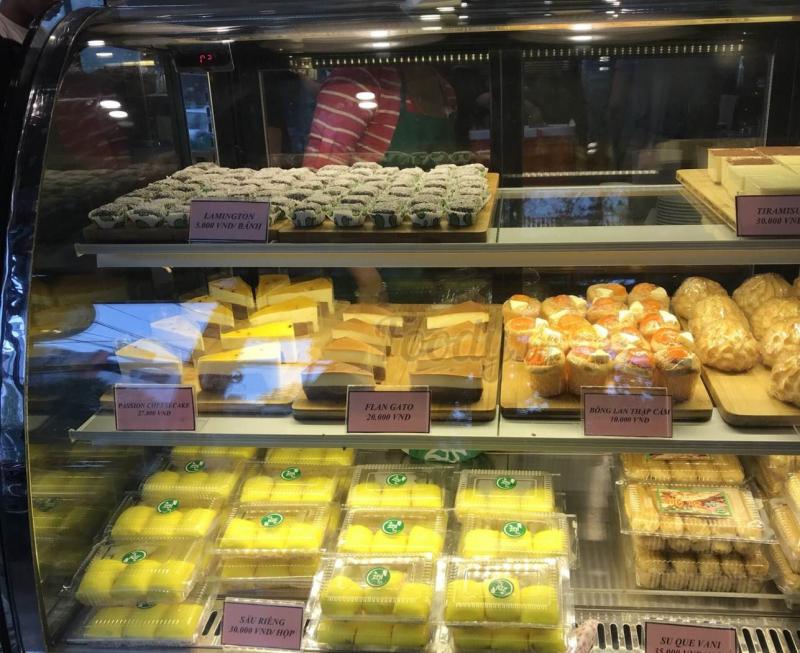 Bánh su que thơm ngon và nhiều loại bánh khác tại ZEN Coffee