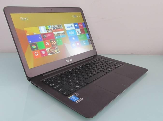 Zenbook UX305 là một trong những mẫu laptop sử dụng Core M hiếm trên thị trường