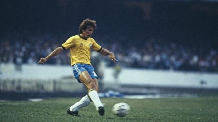 Huyền thoại bóng đá Brazil - Zico