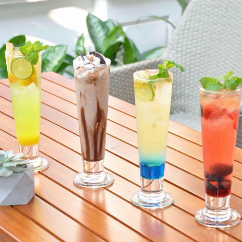 Nhiều món đồ uống khác được trang trí rất hấp dẫn
